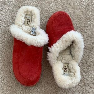 Red ugg clogs
